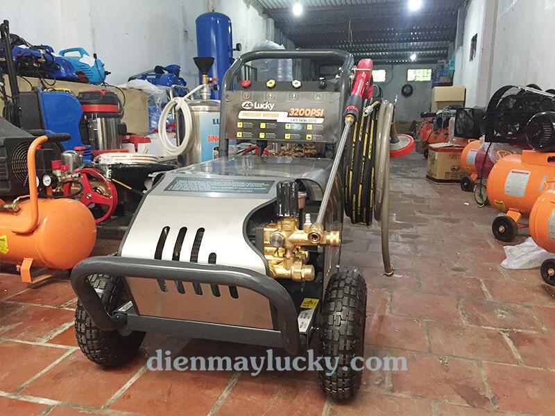 Máy xịt rửa xe cao áp Lucky Star 3200PSI
