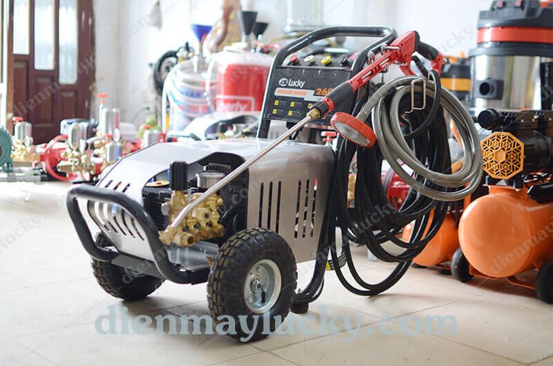 Máy bơm rửa xe cao áp 2600PSI