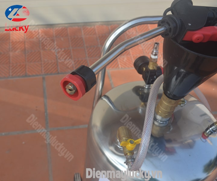 Binh-phun-bot-tuyet-40-lit-inox-3041-min